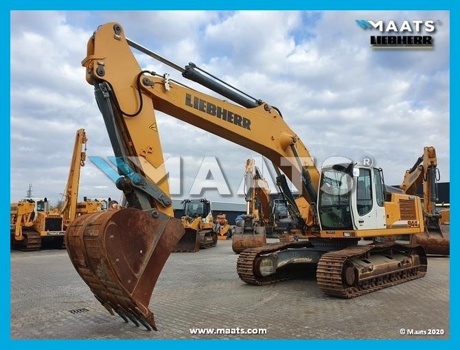 Track excavator